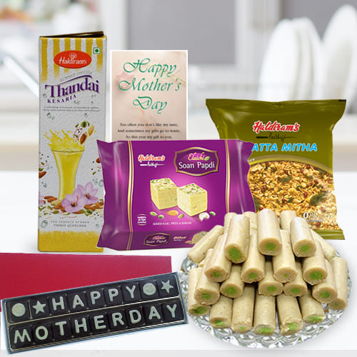 Remarkable Holiday Wishes Gift Hamper of Sweet Treats