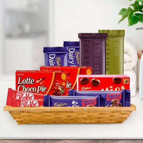 Wonderful Gift Hamper of Assorted Chocolates
