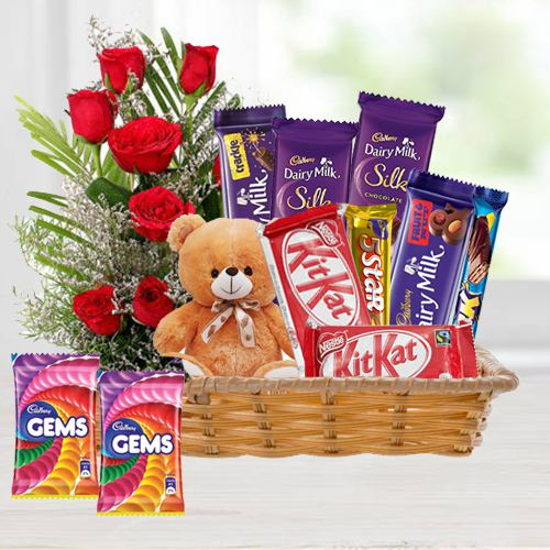Premium Gift Pack of Red Roses with Chocolates