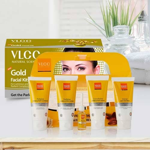 Attractive Looking Pedicure and Manicure Kit with Gold Facial Kit from VLCC
