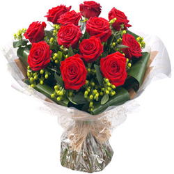 10 Red Rose Birthday Gift Bouquet