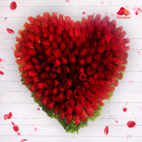 Extravagant Red Rose Heart (150 Roses)