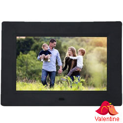 Extravagant Standard Digital Photo Frames in HD LED Screen