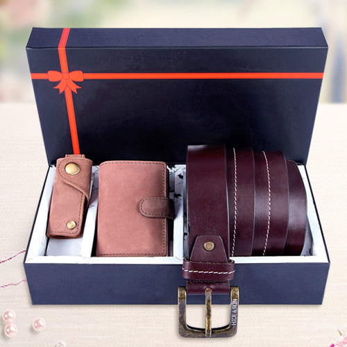 Exclusive Hide and Skin Leather Mens Card Holder, Belt N Keychain