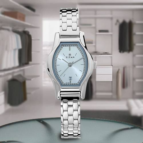 Exclusive Titan Karishma Analog Womens Watch